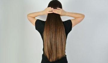 Naturalne kosmetyki do włosów – szampony, maski, oleje i wcierki