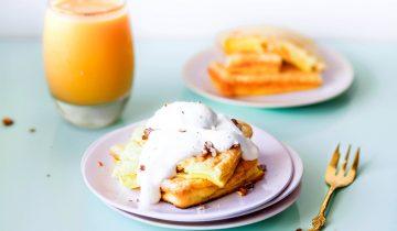 Omlet biszkoptowy z brzoskwiniami